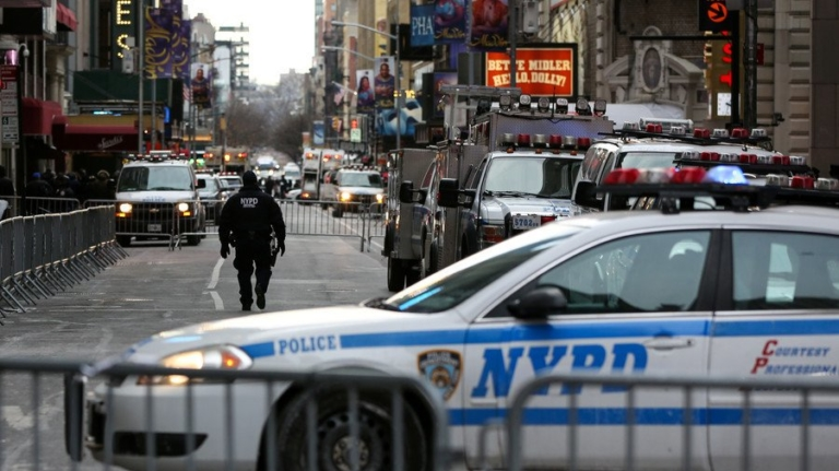 Three Injured in Manhattan Shooting